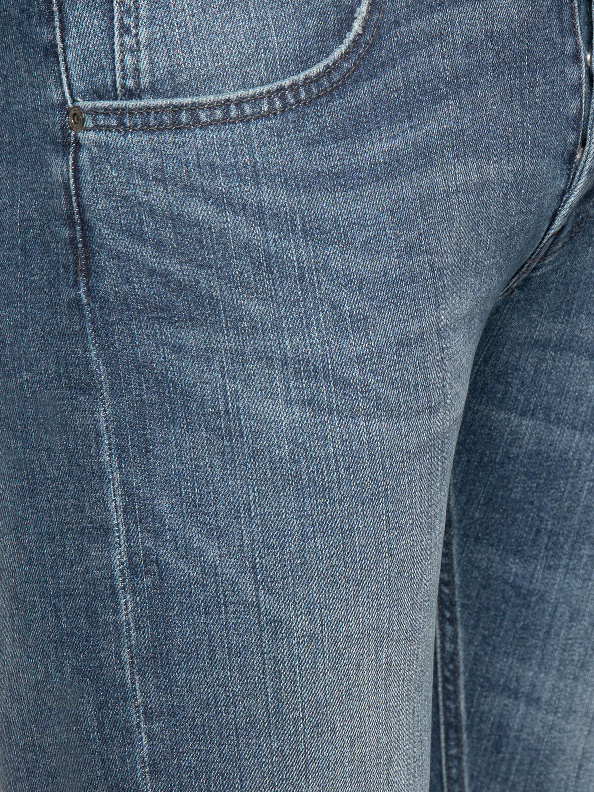 Daren Jeans