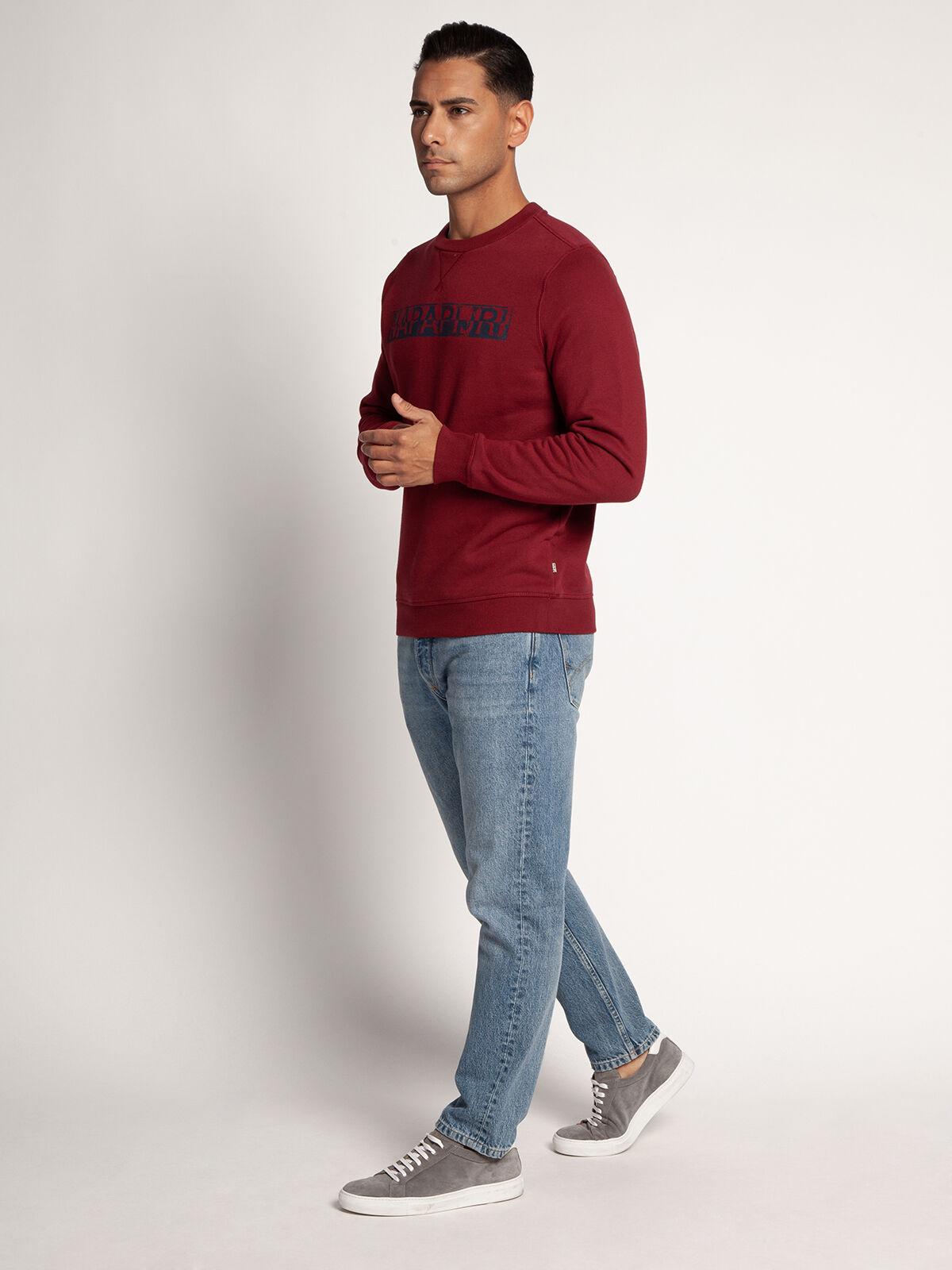 Sweatshirt
